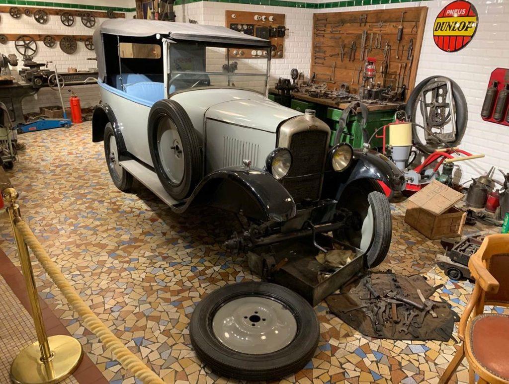 Atelier Peugeot ancienne