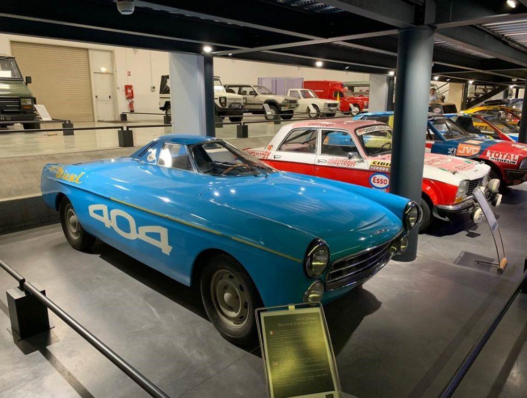 Peugeot 404 course