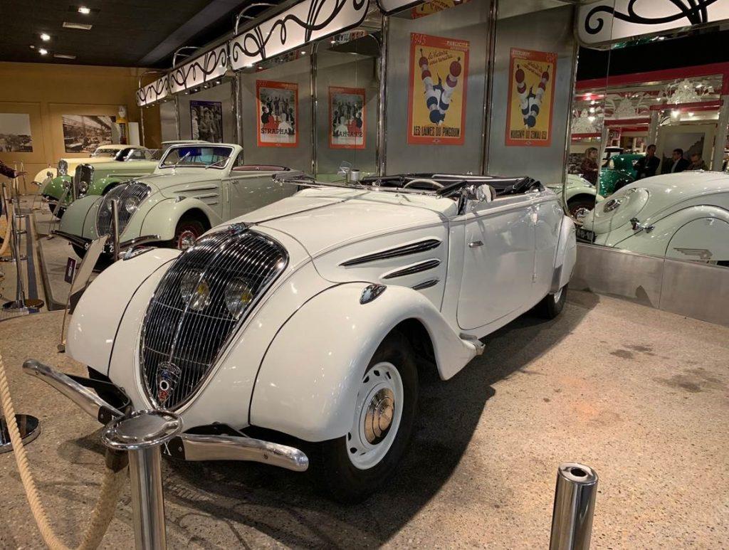 Voiture ancienne Peugeot