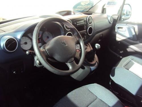 Peugeot Partner TEPEE Offre du mois de Février 2012 photo intérieur
