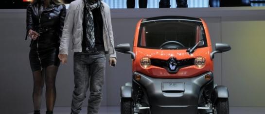 Renault Twizy et ses ambassadeurs Cathy et David Guetta
