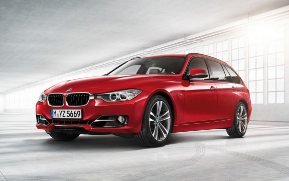 BMW serie 3, nominée pour la plus belle voiture de l'année 2012 - VPN autos centre automobile multimarques à La Rochelle