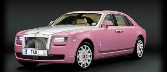 Une Rolls Royce rose de princesse baptisée FAB1 pour lutter contre le cancer.