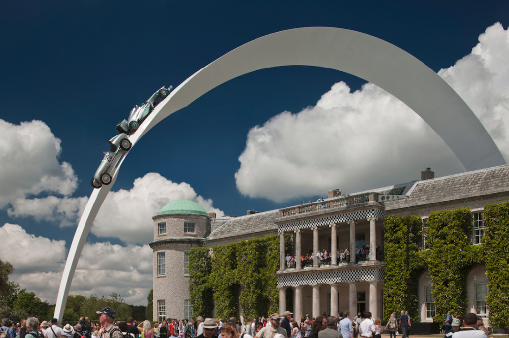 Mercedes Benz 2014, sculpture Gerry Judah pour le Goodwood Festival of Speed