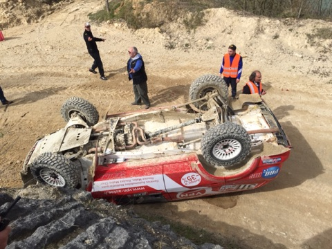 Accident de course (essais) Nissan Pathfinder