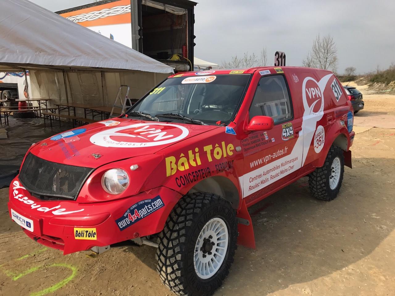 Le Nissan Pathfinder préparé pour la course
