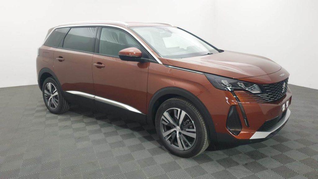 Meilleures voitures d'occasion : Peugeot 5008 d'occasion chez VPN Autos