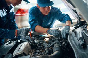 Photo illustrant le contrôle technique d'une voiture